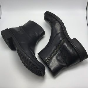 Born Black 9.5 Ankle Boot